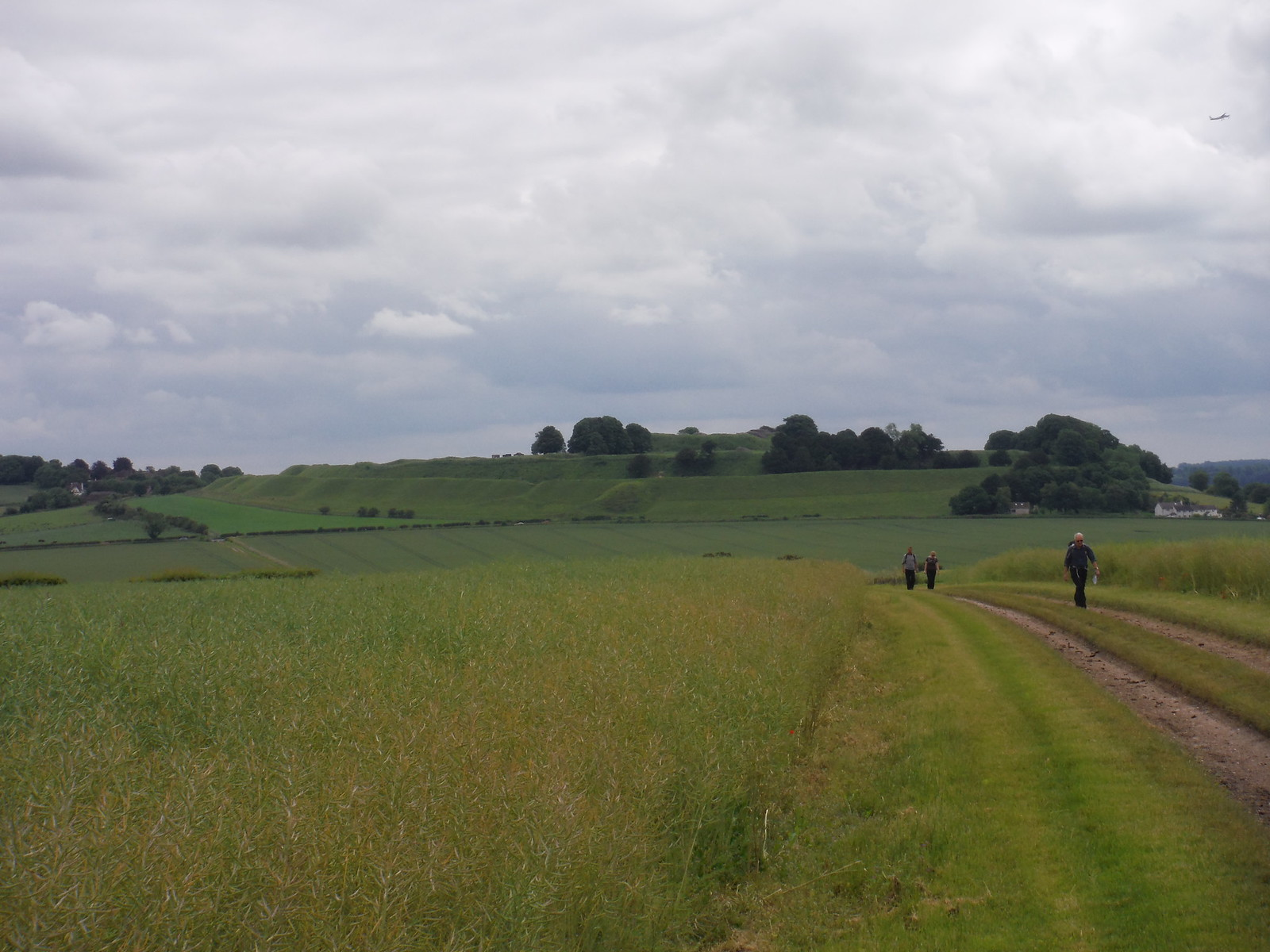 Old Sarum from bridleway to the North SWC 67 Salisbury to Amesbury (via Stonehenge)