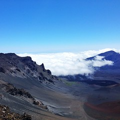 Heleakala crater. Beautiful, clear day above the clouds. #maui #volcano #haleakala #topoftheworld