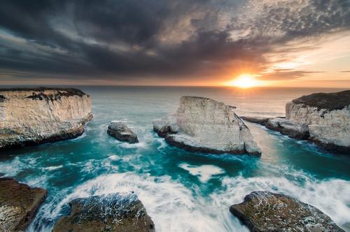 ocean california santa seascape landscape coast shark pacific cove cliffs cruz fin davenport d300s tokina1116