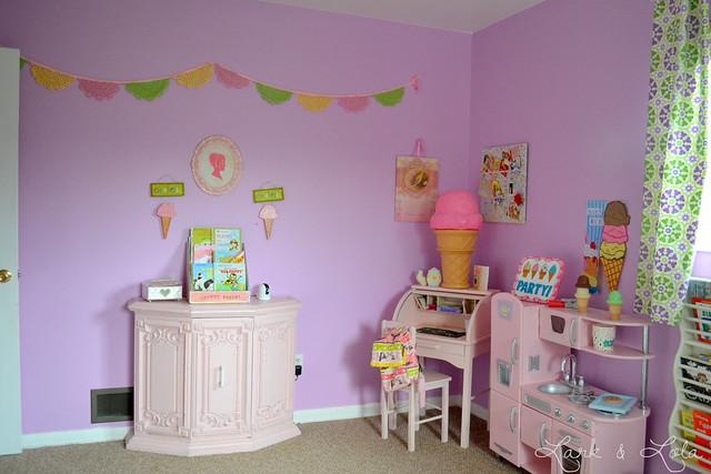 Eisley's desk & play