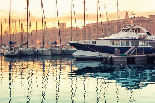 stilllife water colors sunshine reflections landscape boats marseille marine