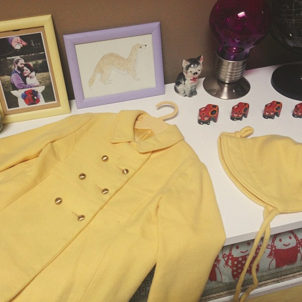 Ridiculously sweet yellow coat and bonnet set from a ridiculously sweet overseas mail friend. I want it in my size!