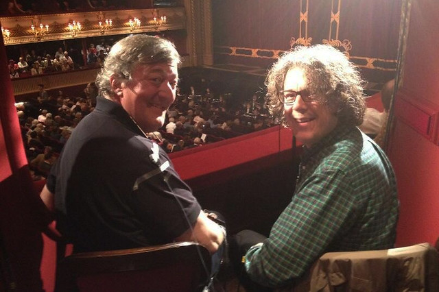 Stephen Fry and Alan Davies watching The Royal Opera's Simon Boccanegra © ROH/Tom Nelson, 2013