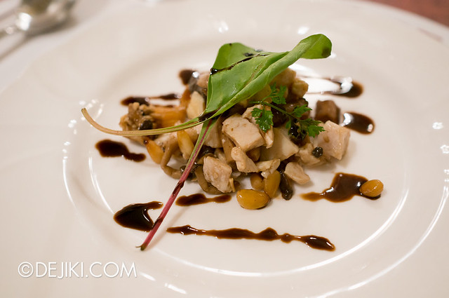 Tokyo Disneyland - World Bazaar / East Side Café / Chicken and Mushrooms with Balsamic Sauce
