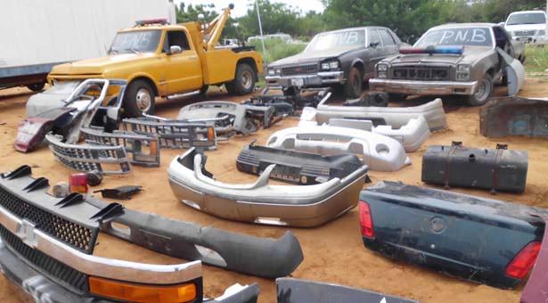 Vehículos y piezas recuperadas por la PNB