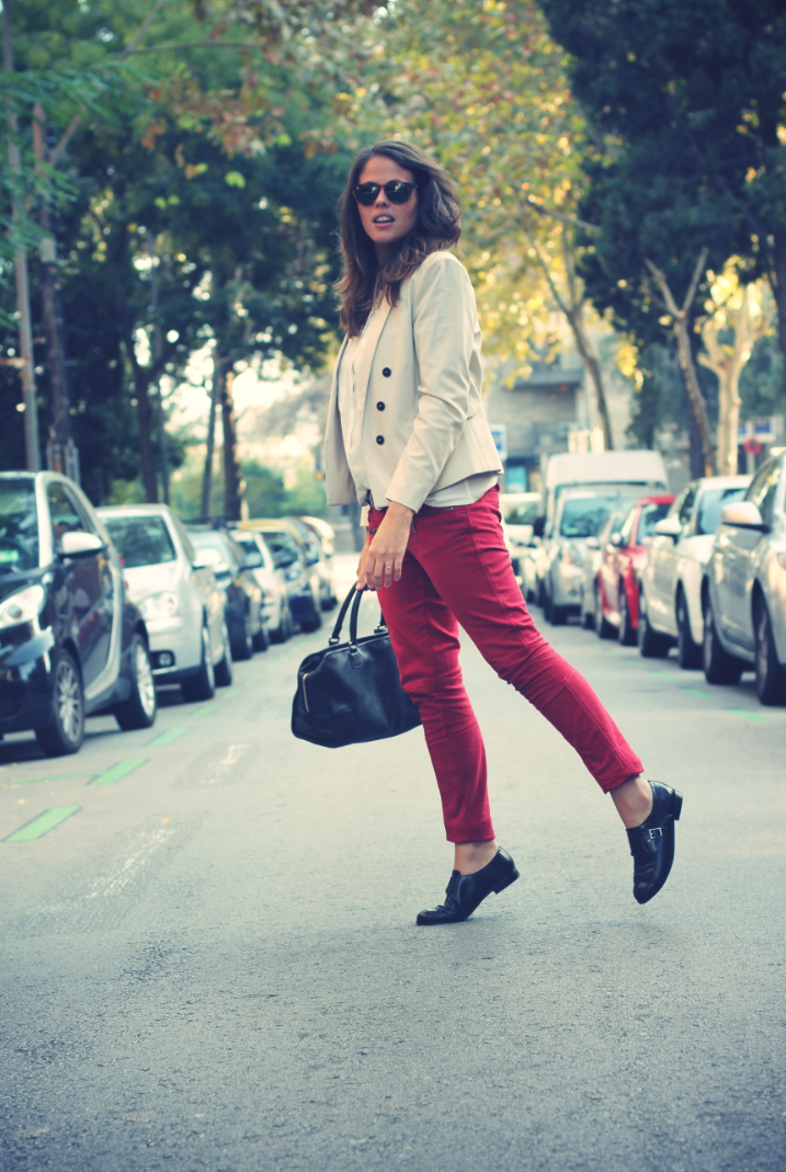 Look: Red Jeans + Boy Shoes
