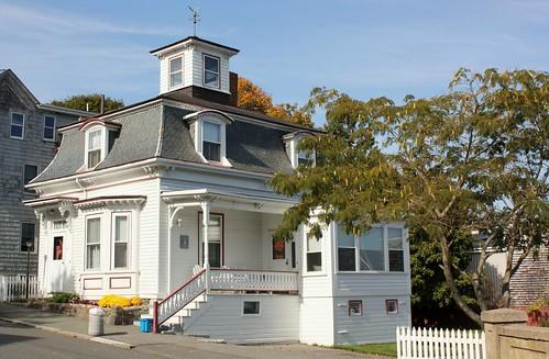 Salem massachusetts a hocus pocus 20th anniversary tour for Salem house