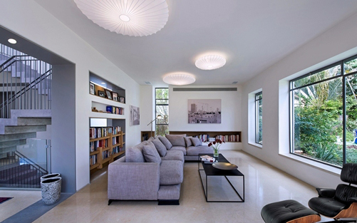 מבית שרון נוימן אדריכלים: בית מגורים יחודי בשרון