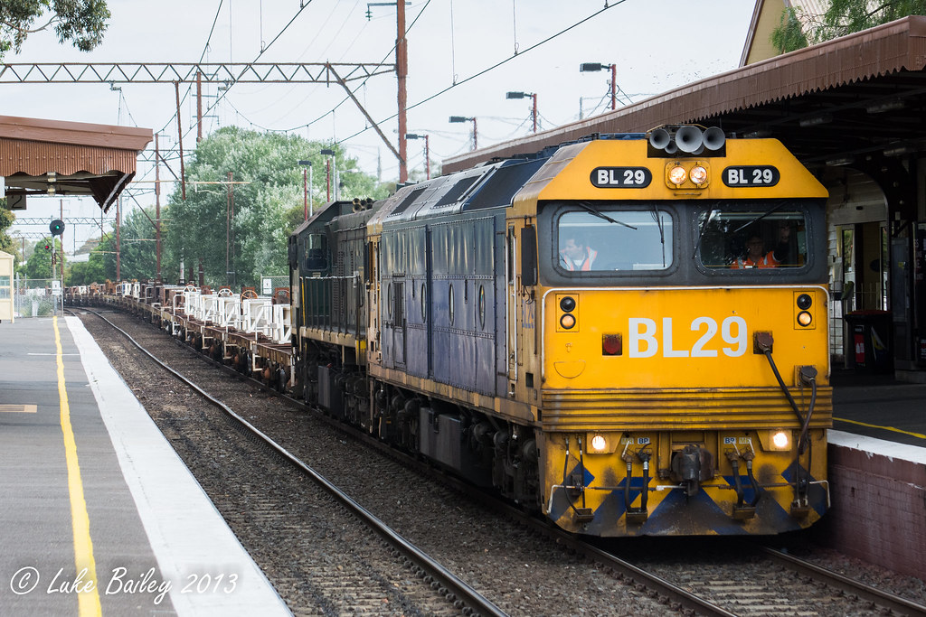 BL29-X44 with #9556 up Long Island goods at Mentone by Luke's Rail Gallery
