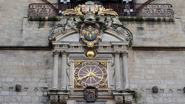 Clock gate