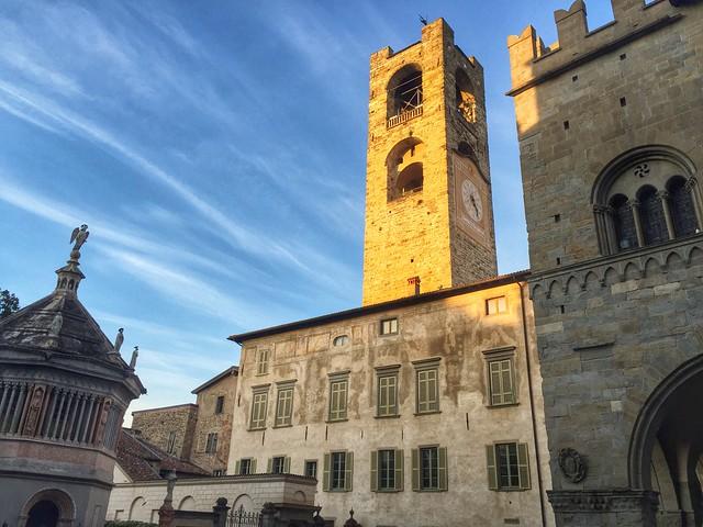 Piazza Duomo (Bérgamo, Italia)