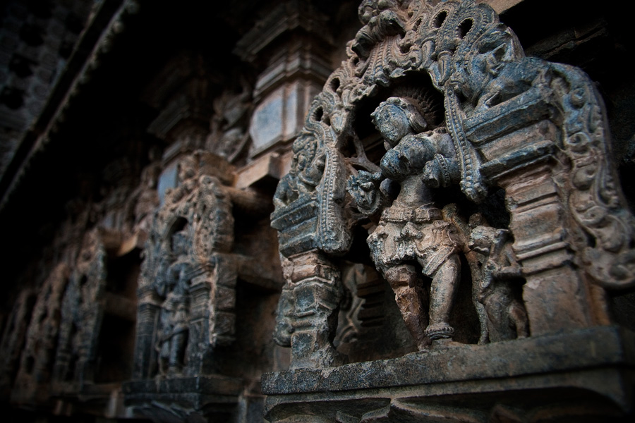 Intricate-Hindu-architecture-at-Hoysaleswara-temple,-Karnataka,-South-India