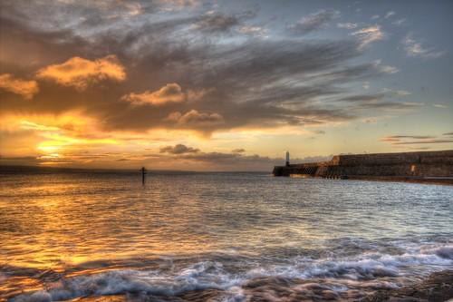 lighthouse sunrise dawn lighthouses harbour coastal hightide porthcawl canon600d supertide sigma1020mmf35exdchsm canon600deos