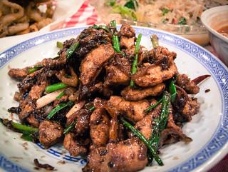 022 黑椒炒猪肉 - Stir- fried black pepper pork