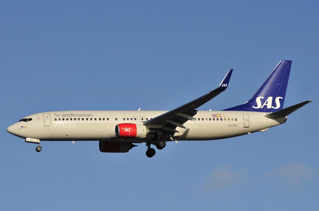 LN-RGI - B738 - SAS