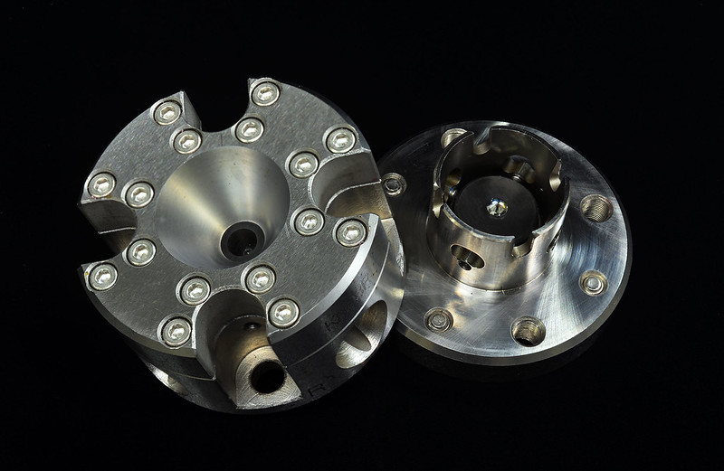 ダイヤモンドアンビルセル / Diamond anvil cell