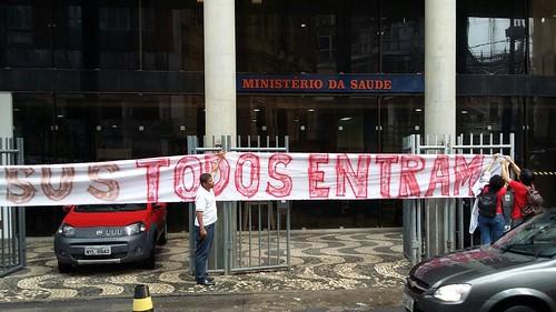 Manifestantes Ocupam sede do Ministério da Saúde na Bahia