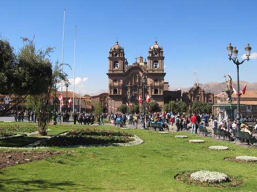 Cusco: la Plaza de Armas et la Iglesia de la Compañia