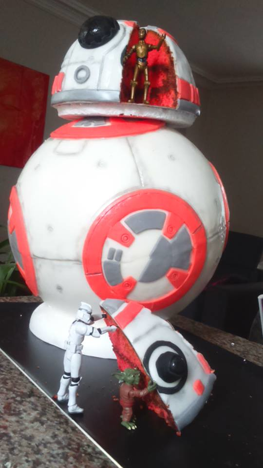 BB8 Cake by Alexx Lehoux of Cake MANS Bon