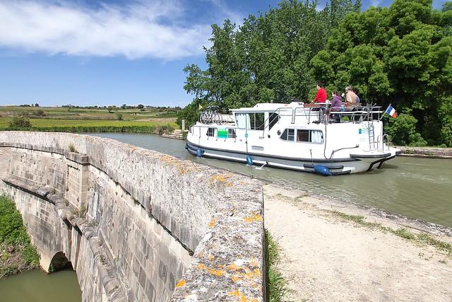 France, Paraza, Aude, Canal du Midi, pont-canal de Répudre