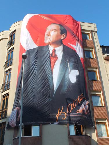 Atatürkös egészházas zászló