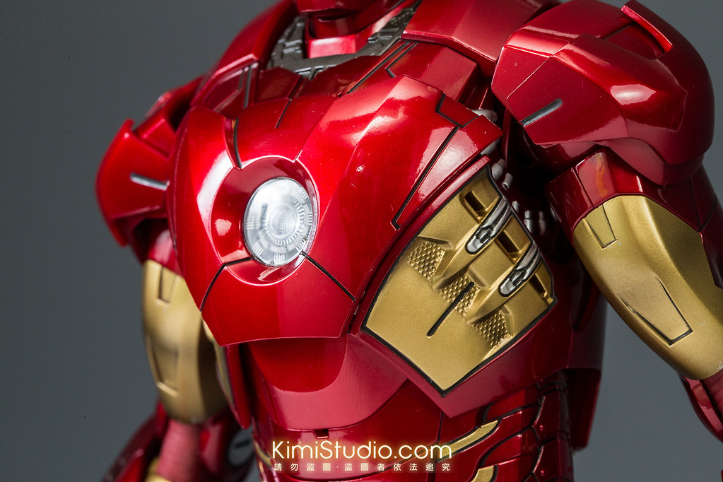 2013.06.11 Hot Toys Iron Man Mark VII-054