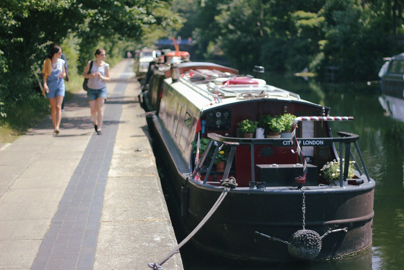 regent's canal boat