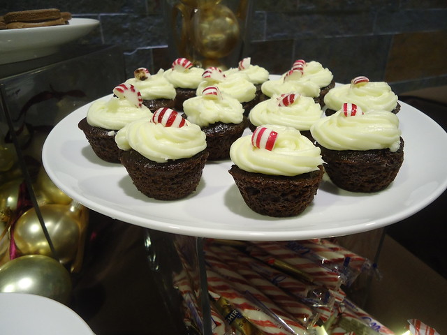 Frosted Peppermint Bites