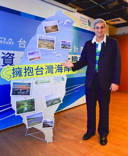 ▲渣打銀行落實企業社會責任,與環境資訊協會合作,花一整年時間,投入台灣海岸守護計畫 ,希望台灣美麗海岸能夠永續發展