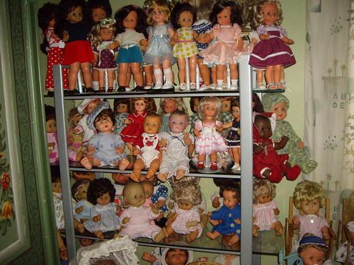 Les poupées de ma maison  11368069705_d1f81ae58b
