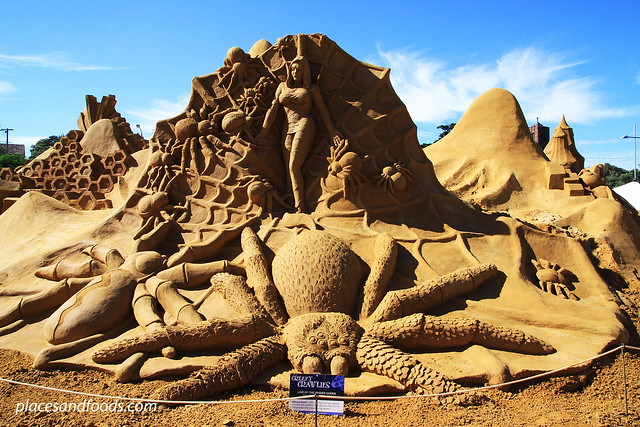 frankston sand sculpting lair of queen spider