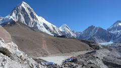 Pumo Ri 7165m i Kala Patthar 5650m z Gorak Shep