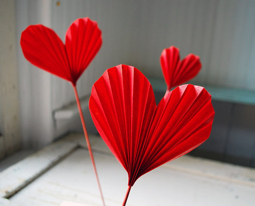 folded-red-hearts