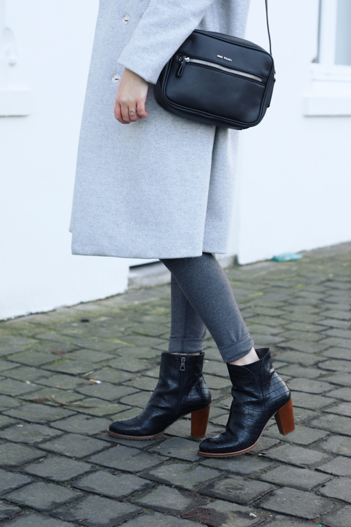 winter outfit: grey and black layers, zinda croc ankle boots
