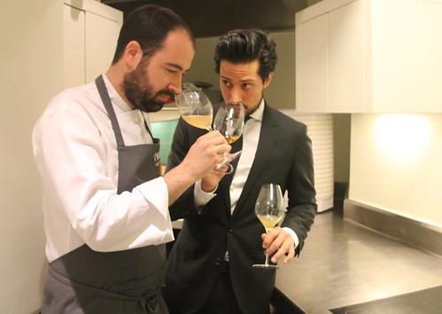 Txisku e Ismael catan los maridajes sin alcohol.