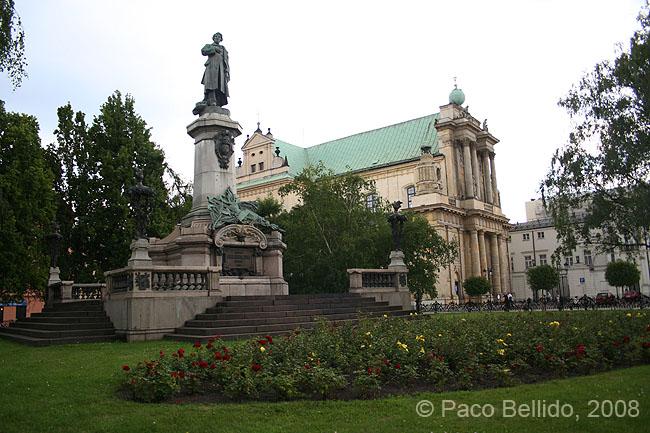 Iglesia y monumento a Mickiewicz. © Paco Bellido, 2008