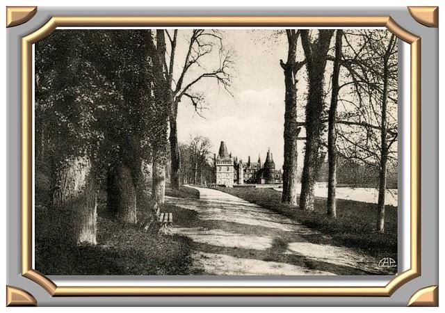 MAINTENON Le Château, vue prise du Parc