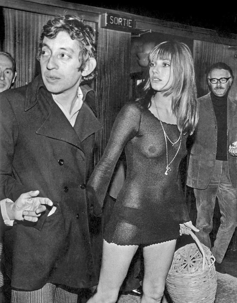 """Jane Birkin et Serge Gainsbourg a la premiere du film """"Slogan"""" de PierreGrimblat le 28 aout 1969  -- Jane Birkin and Serge Gainsbourg  august 28, 1969"""