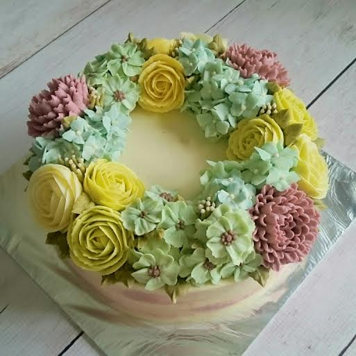 Pretty Flower Cake by Misaac
