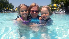 Sue & The Kids In The Pool