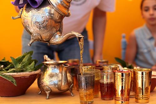 O ritual do chá com menta