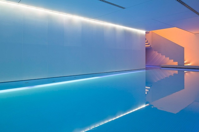 Conservatorium Akasha Spa pool1