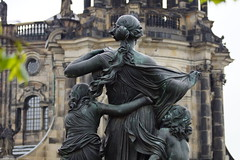 Bearing all in Dresden