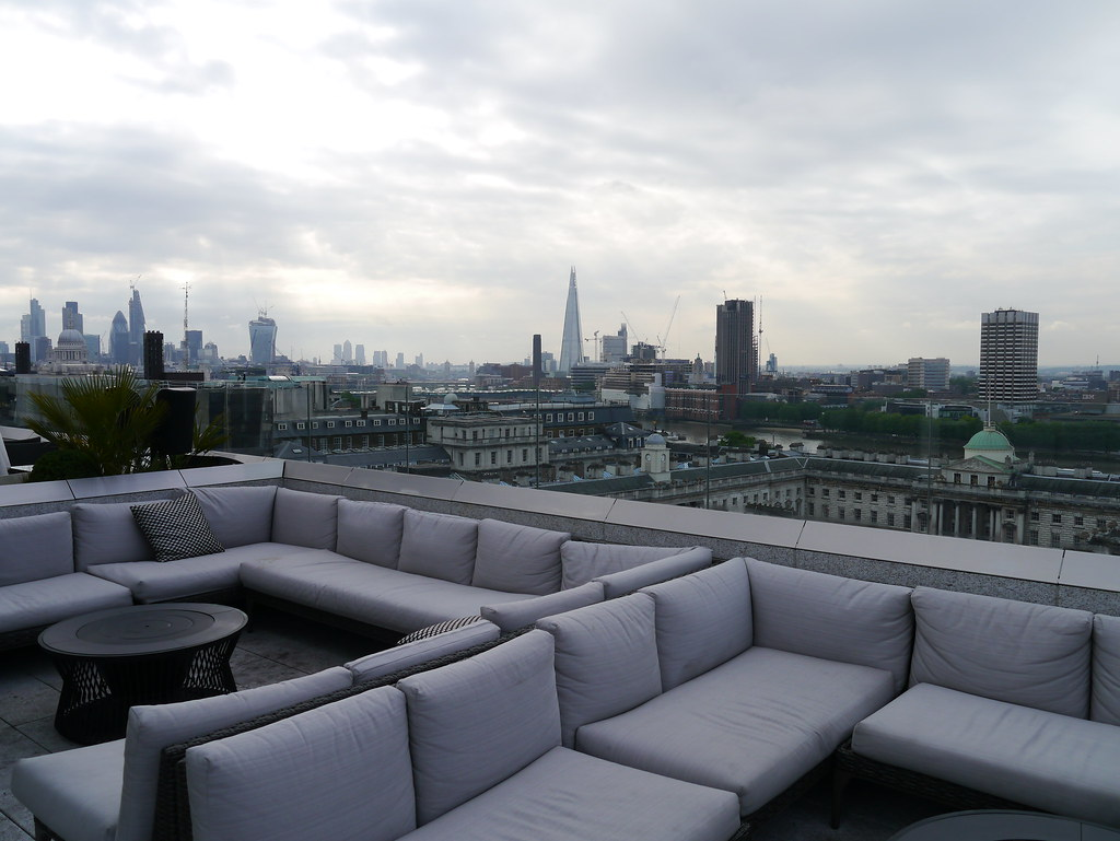 Radio Rooftop Bar, ME London