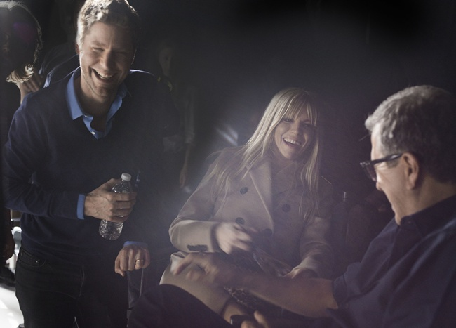 3 Christopher Bailey, Sienna Miller and Mario Testino behind the scenes at the Burberry Autumn_Winter 2013 campaign