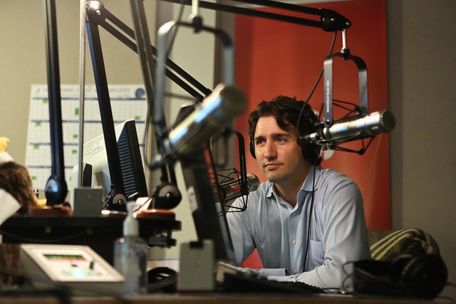 Justin is interviewed on CBC radio. / Justin en entrevue à la radio de CBC.
