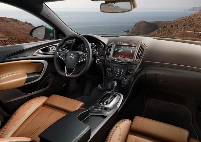 Opel-Insignia-286343-medium