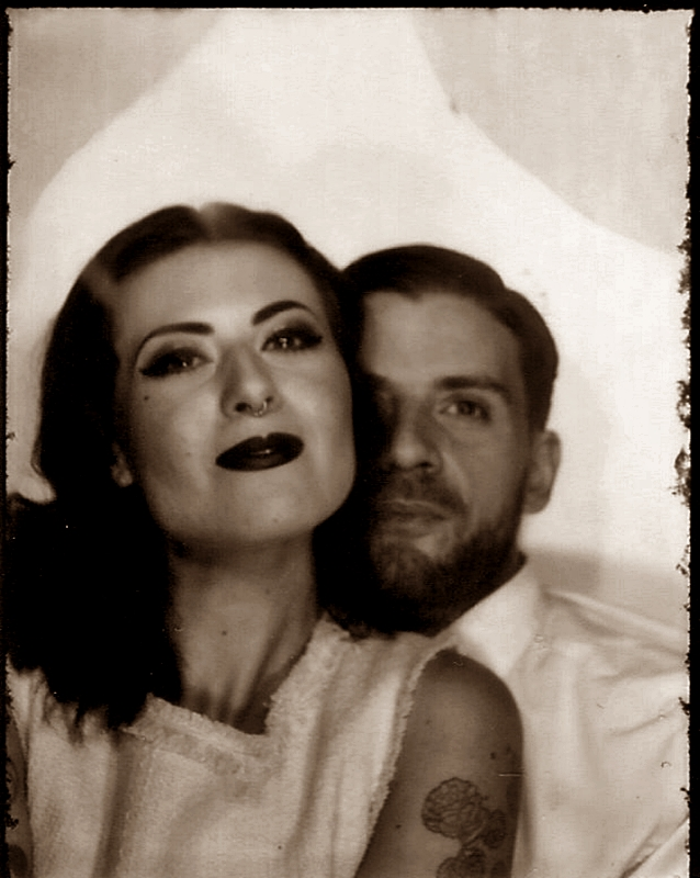 VINTAGE_PHOTO_LOVE_COUPLE_PHOTOAUTOMAT_BERLIN_NEUKOELLN_HERMANNPLATZ_LIEBE_40S_50S_HAIR_MAKE-UP (5)