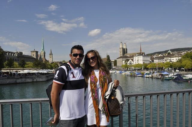 Y cruzando el puente con las vistas más pintorescas de la ciudad, cerramos el primer paseo por Zürich zurich - 10804891934 9b38006dd6 z - Dos paseos por la ciudad suiza de Zürich