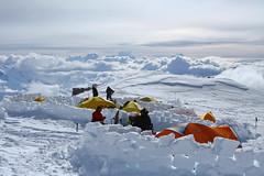 W obozie High Camp 17000ft (5600m)